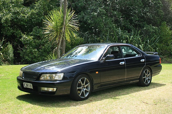 1998 Nissan Laurel #13