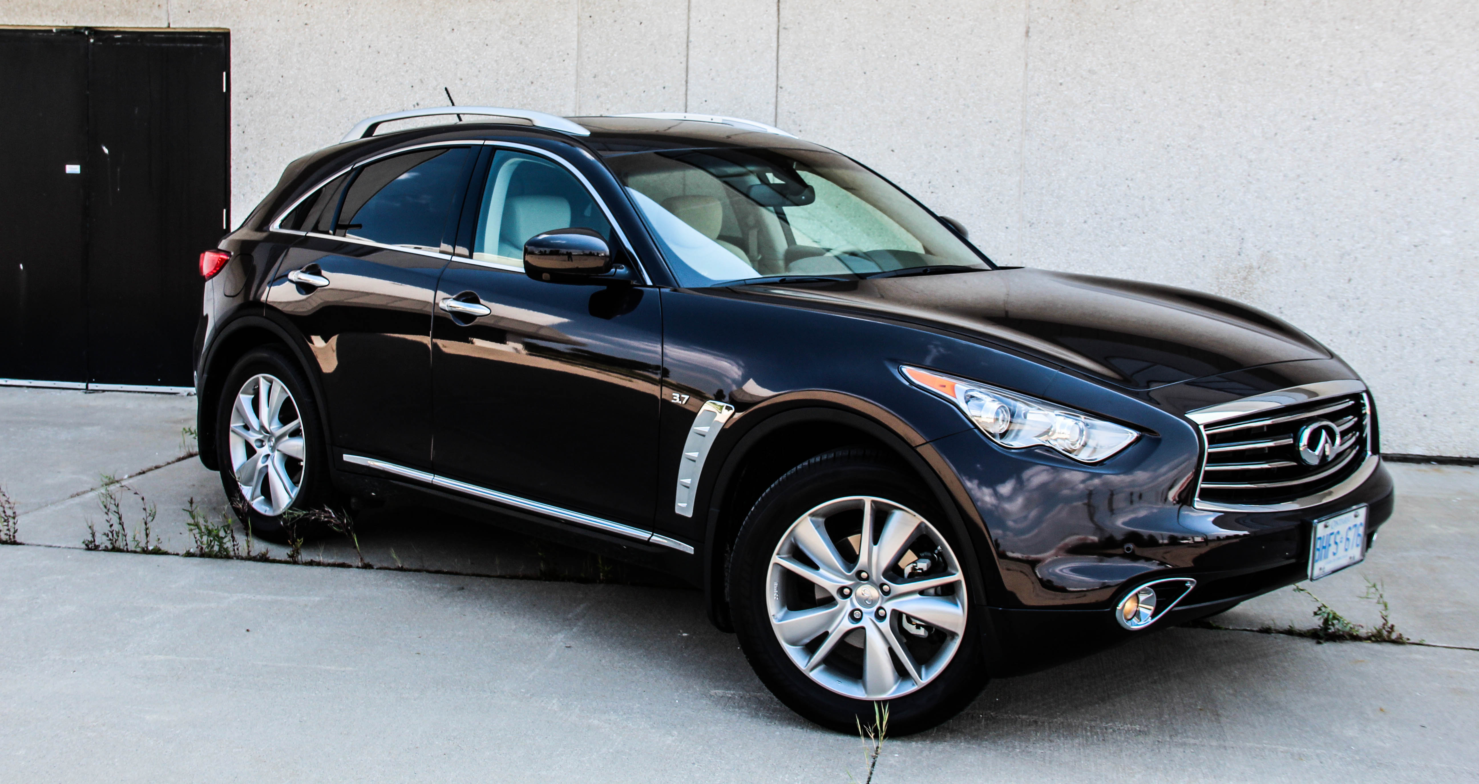 2015 infiniti qx70 photos informations articles. Black Bedroom Furniture Sets. Home Design Ideas