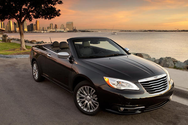 Chrysler 200 CONVERTIBLE #3