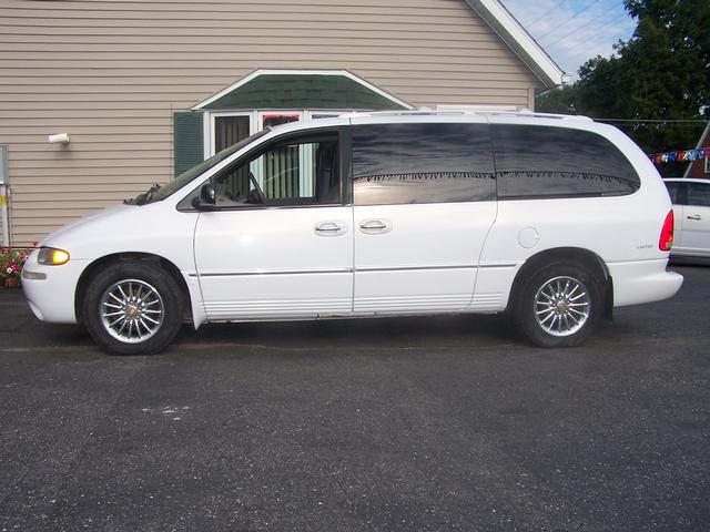 2000 Chrysler Town And Country #17