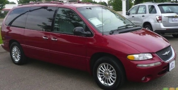 1999 Chrysler Town And Country #5