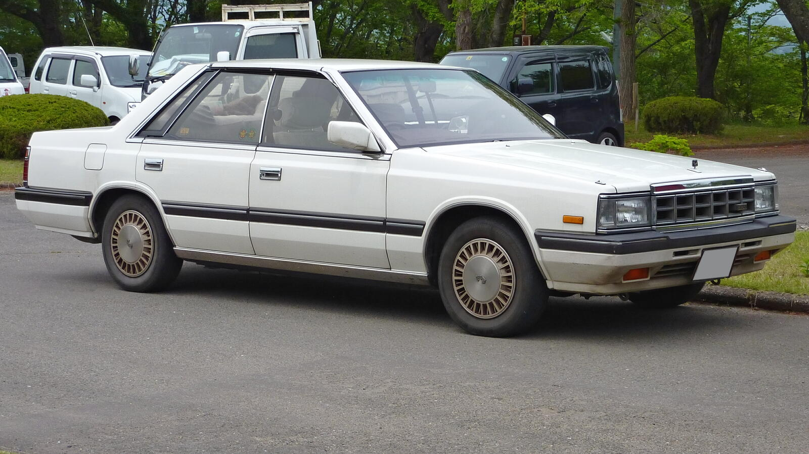 1989 Nissan Laurel #1