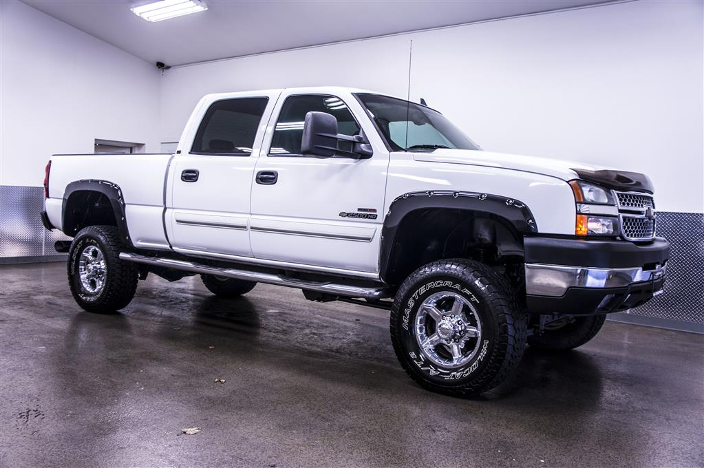 2006 chevrolet silverado 2500hd photos informations articles. Black Bedroom Furniture Sets. Home Design Ideas