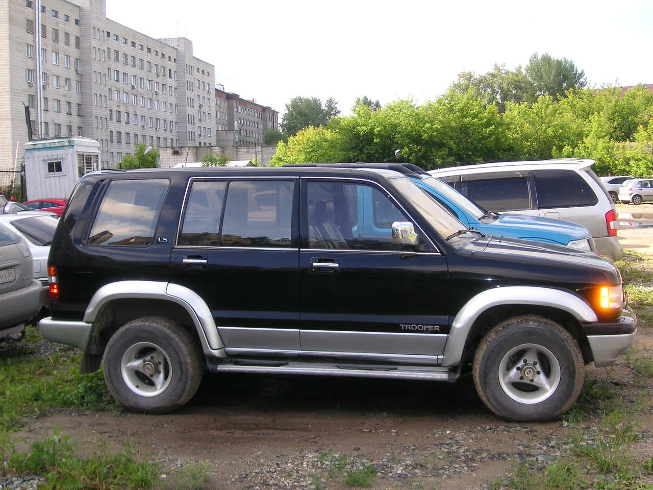 1994 Isuzu Trooper #3
