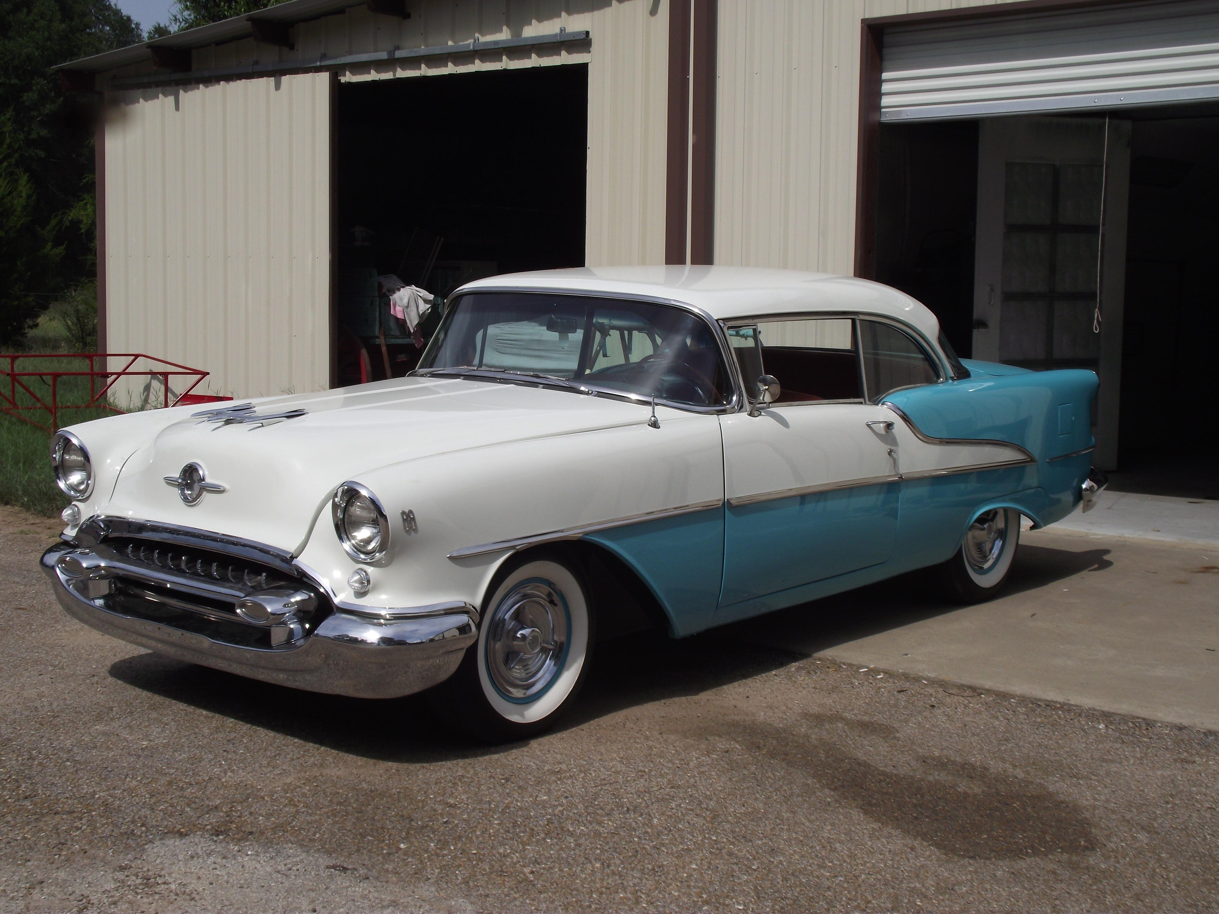 1955 Oldsmobile 88 Photos, Informations, Articles