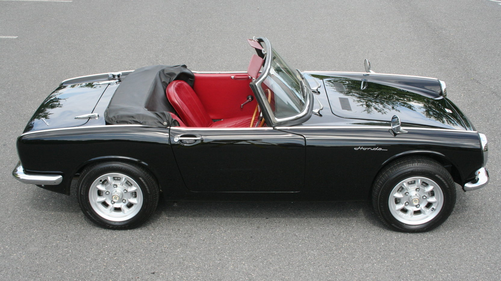 Superb 1965 Honda S600 #19