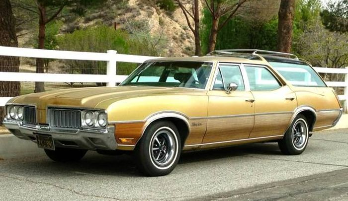 1969 Oldsmobile Vista Cruiser #16