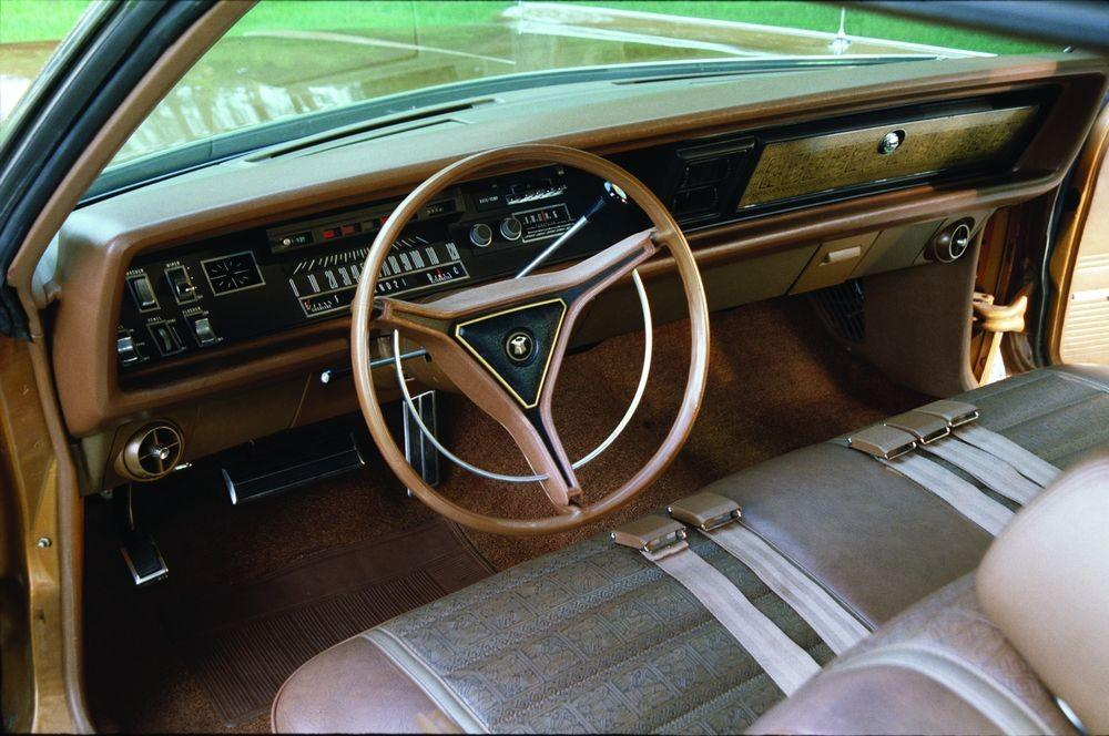 1970 Chrysler Cordoba #17