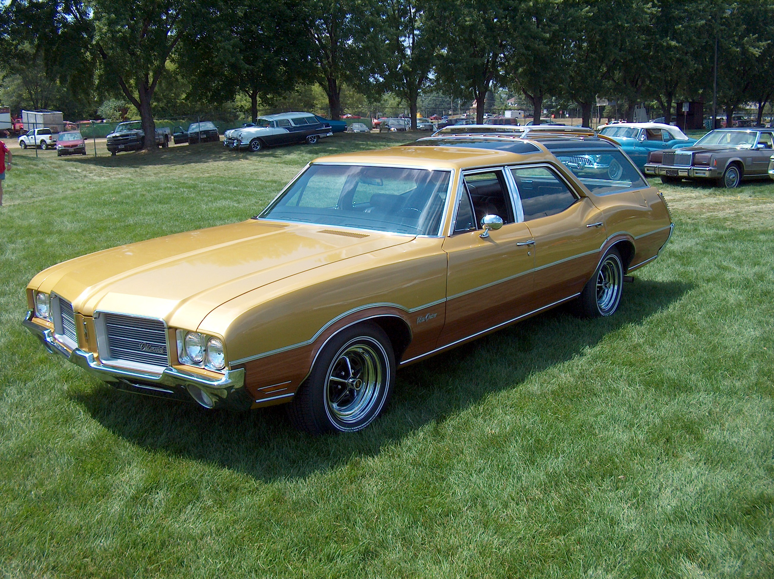 1971 Oldsmobile Vista Cruiser #18