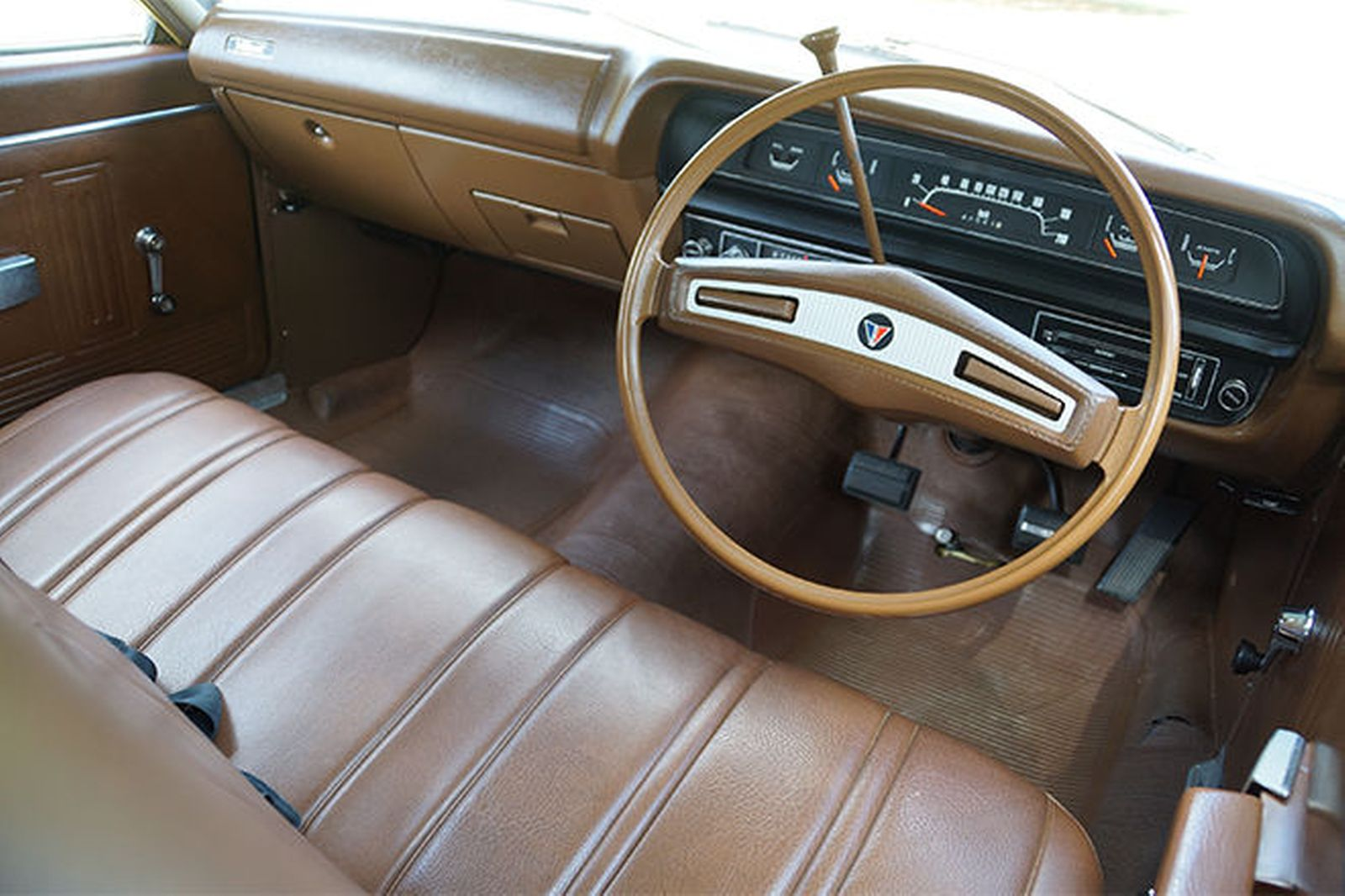 1974 Chrysler Valiant #17