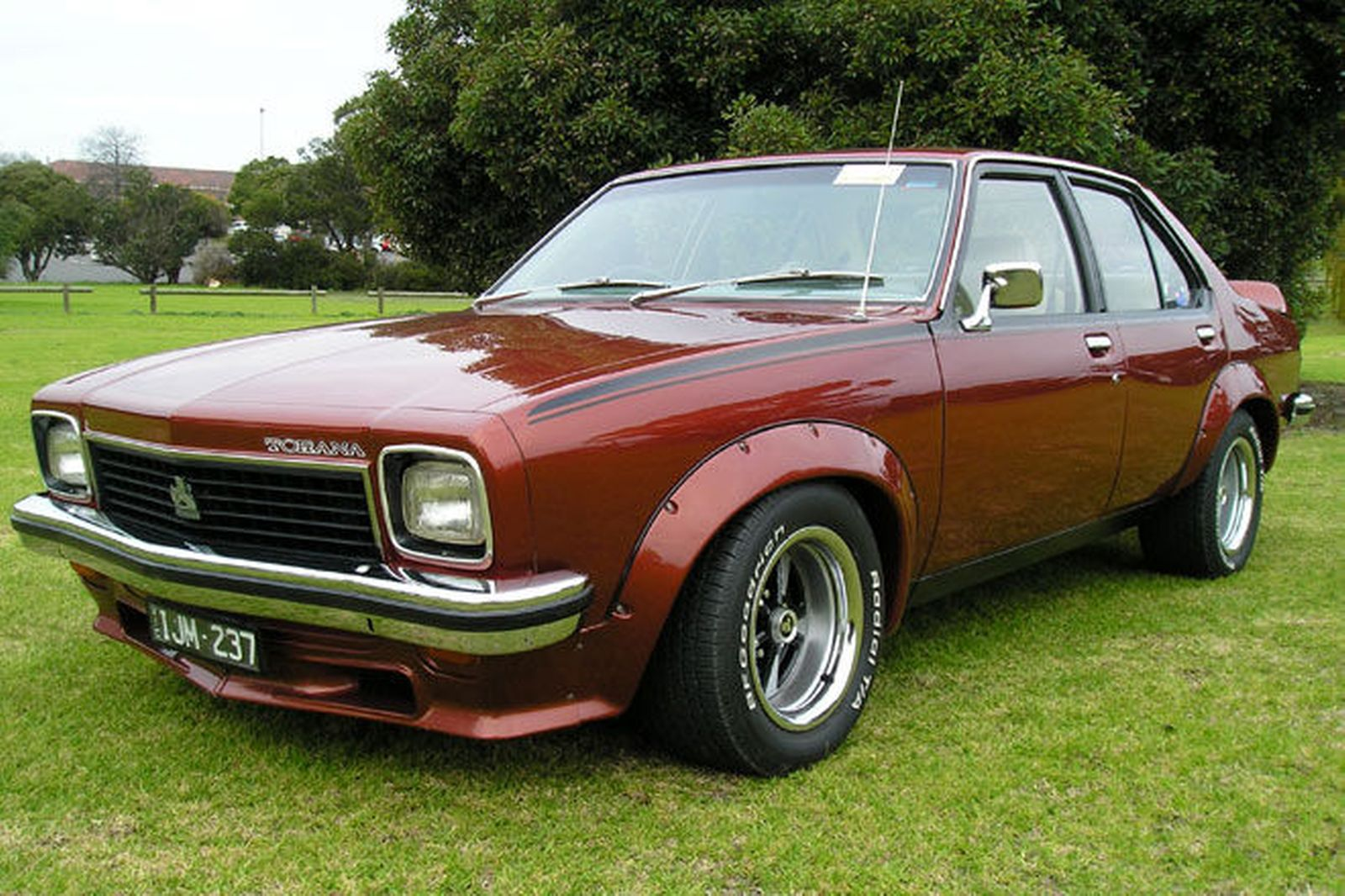 1975 holden torana photos informations articles
