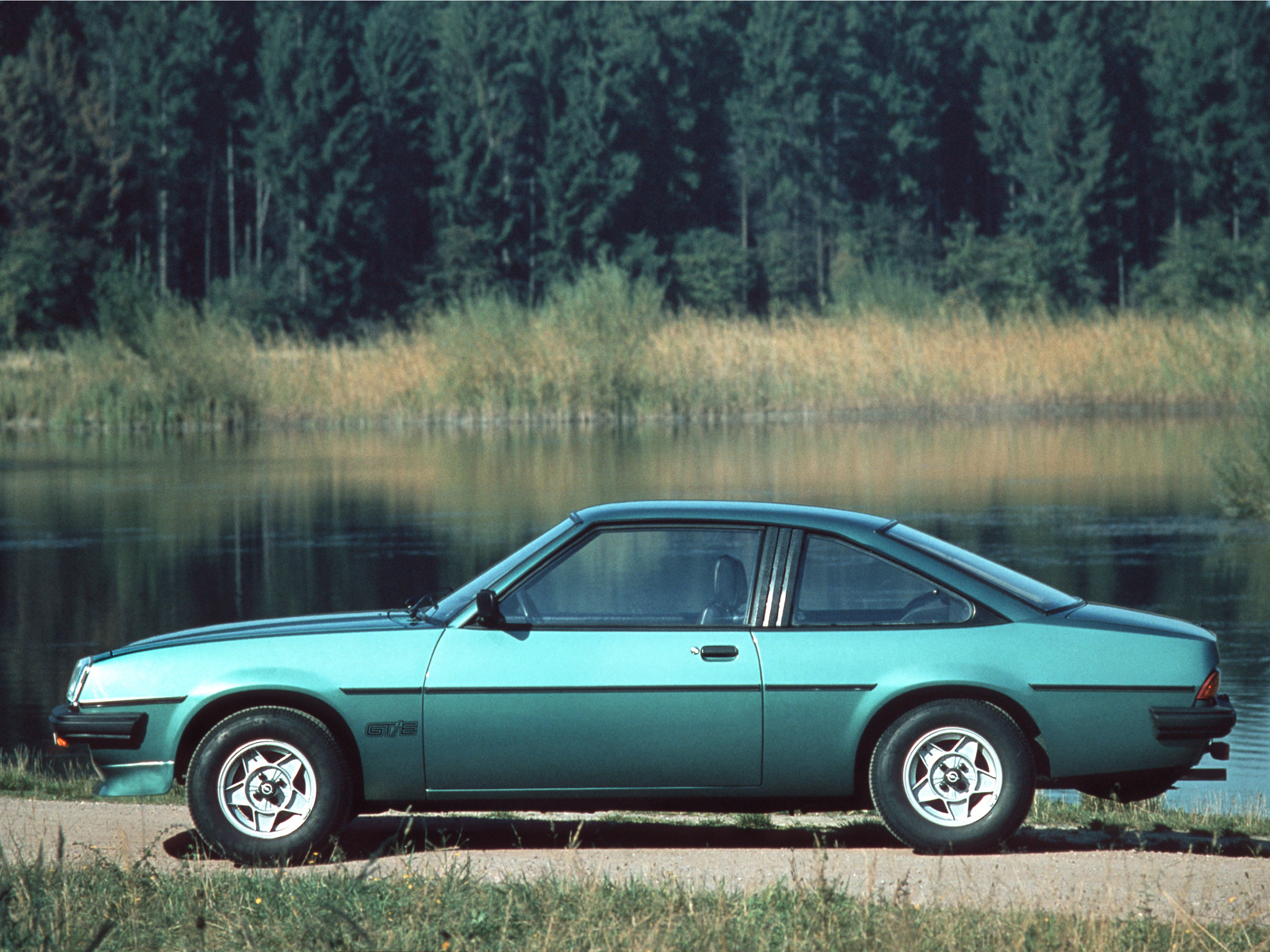 1977 opel manta photos informations articles. Black Bedroom Furniture Sets. Home Design Ideas