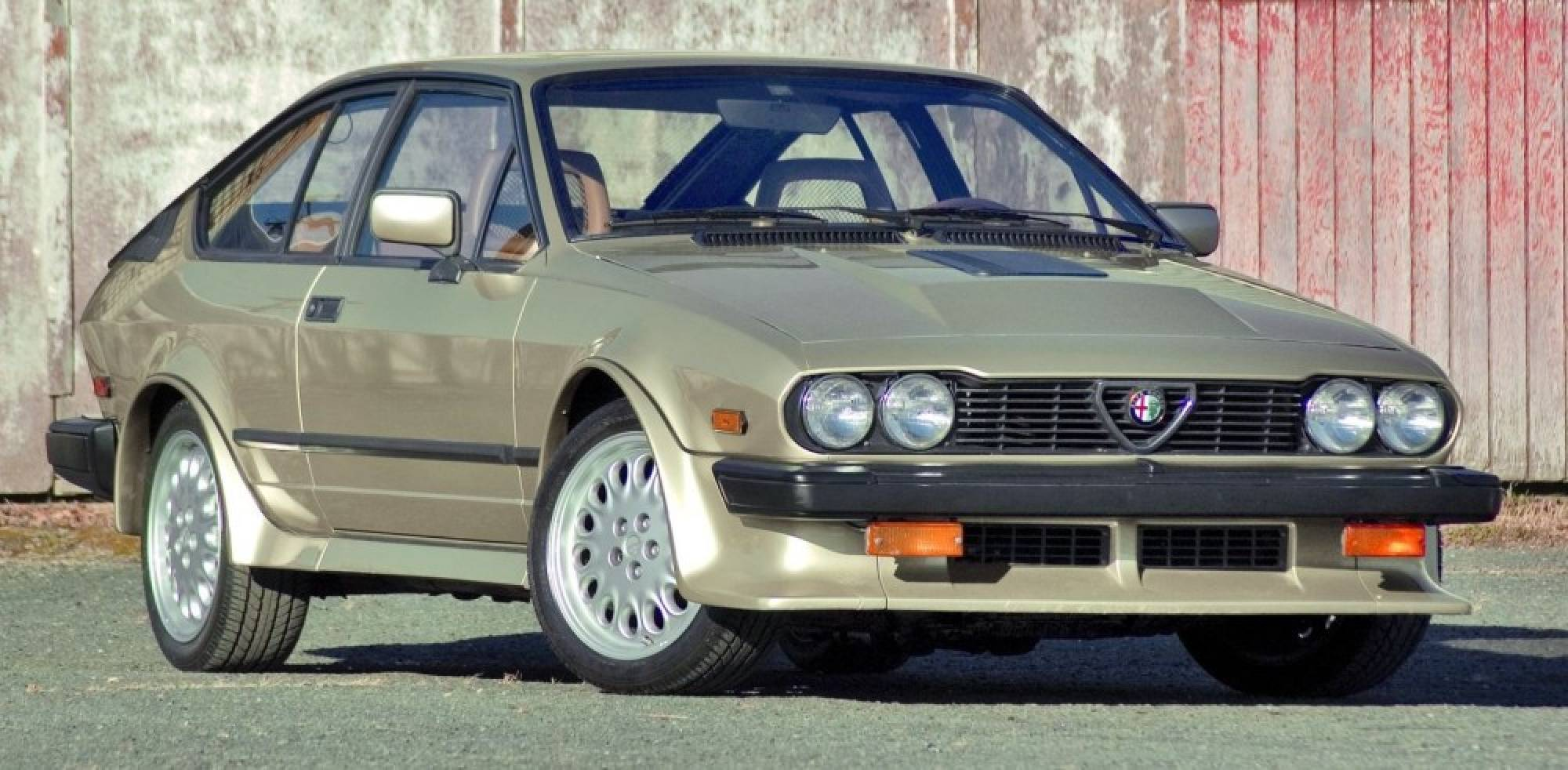 1981 Alfa Romeo GTV6 s Informations Articles BestCarMag