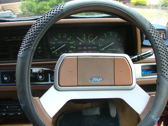 1986 Ford Meteor #14