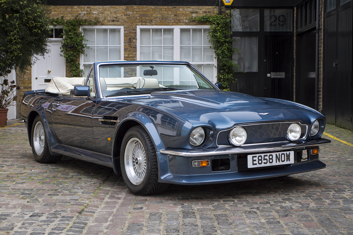 1988 aston martin v8 volante photos informations articles. Black Bedroom Furniture Sets. Home Design Ideas