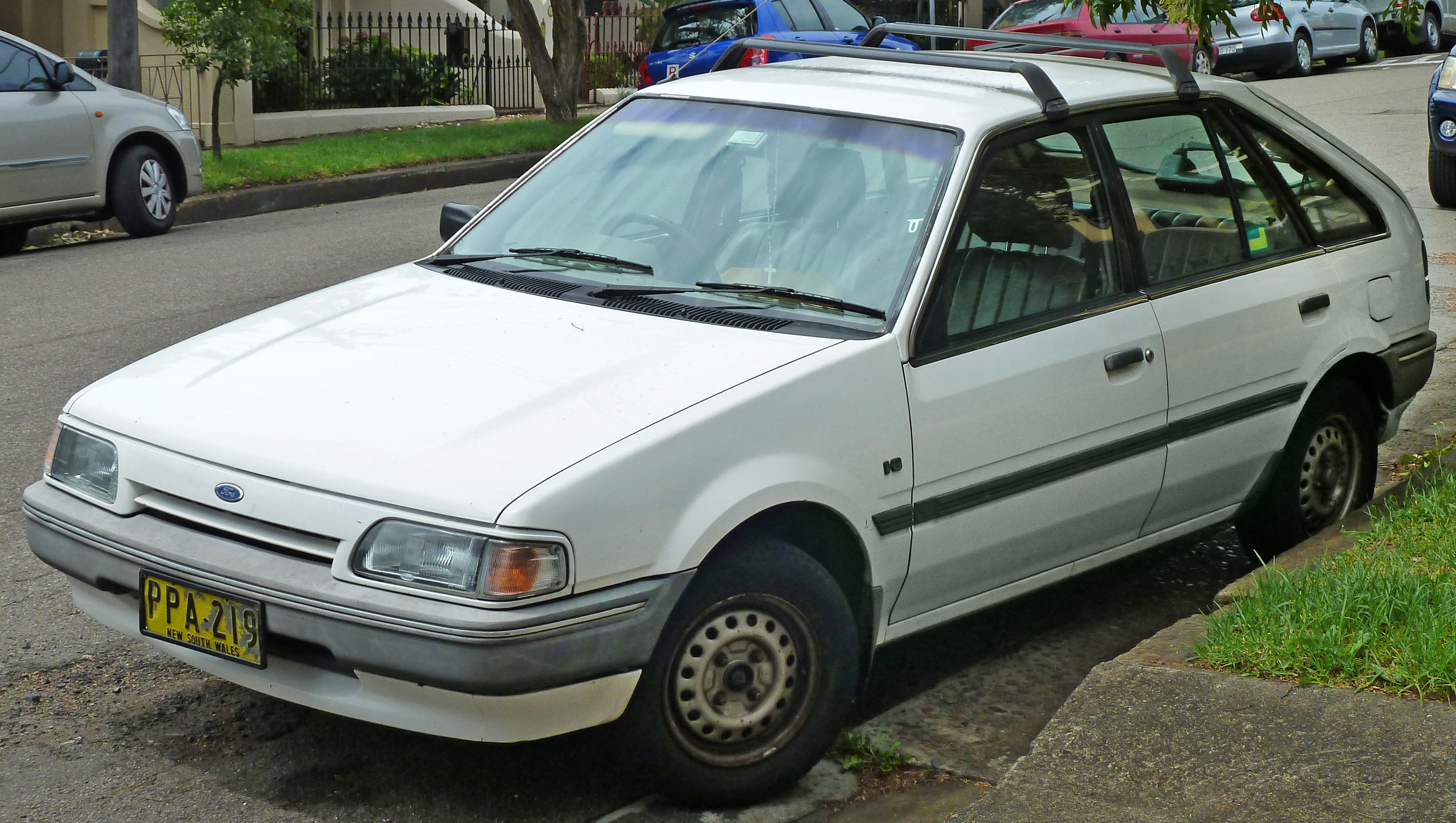 1988 Ford Meteor #15
