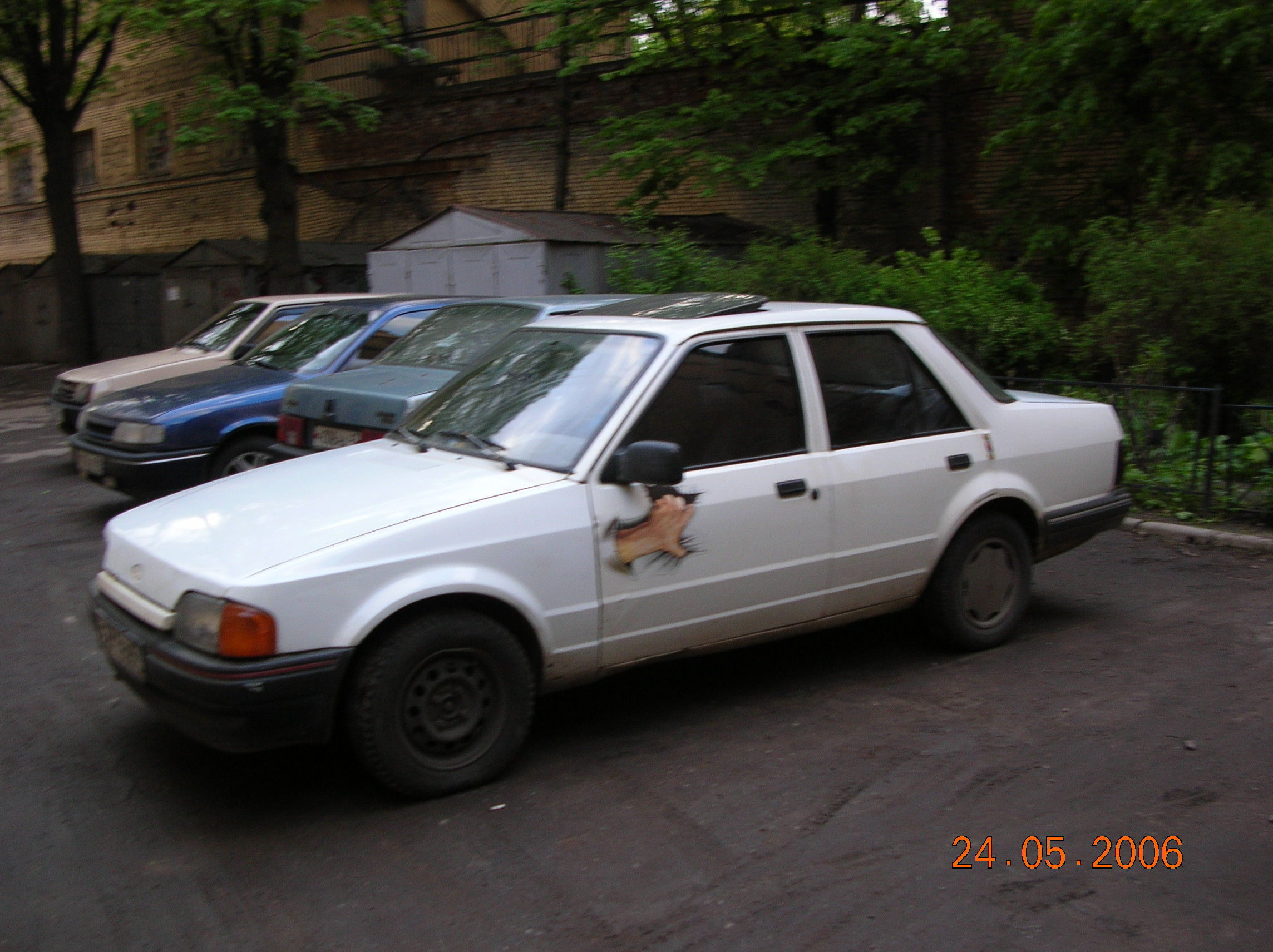 1988 Ford Orion #18