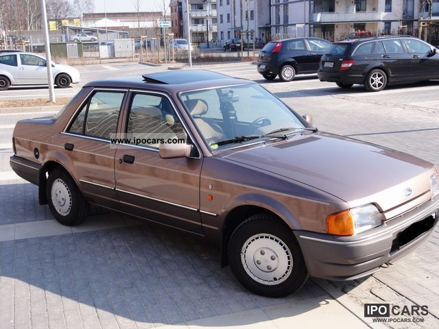 1989 Ford Orion #14