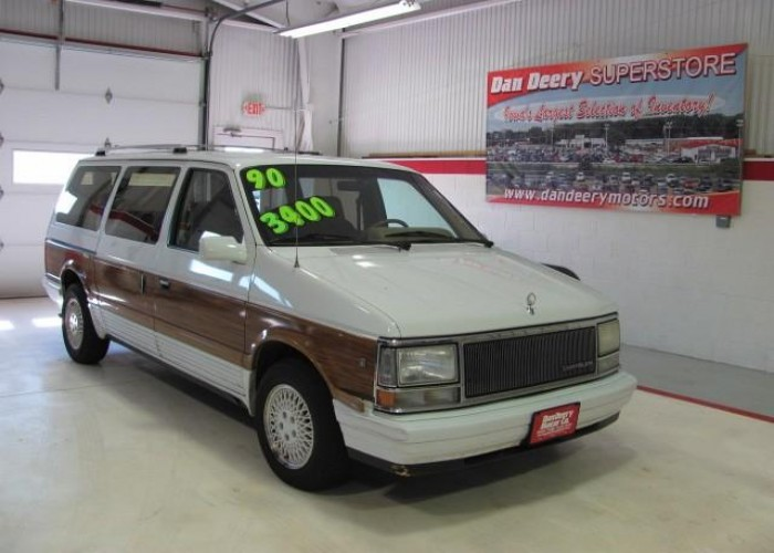 1990 Chrysler Town And Country #14