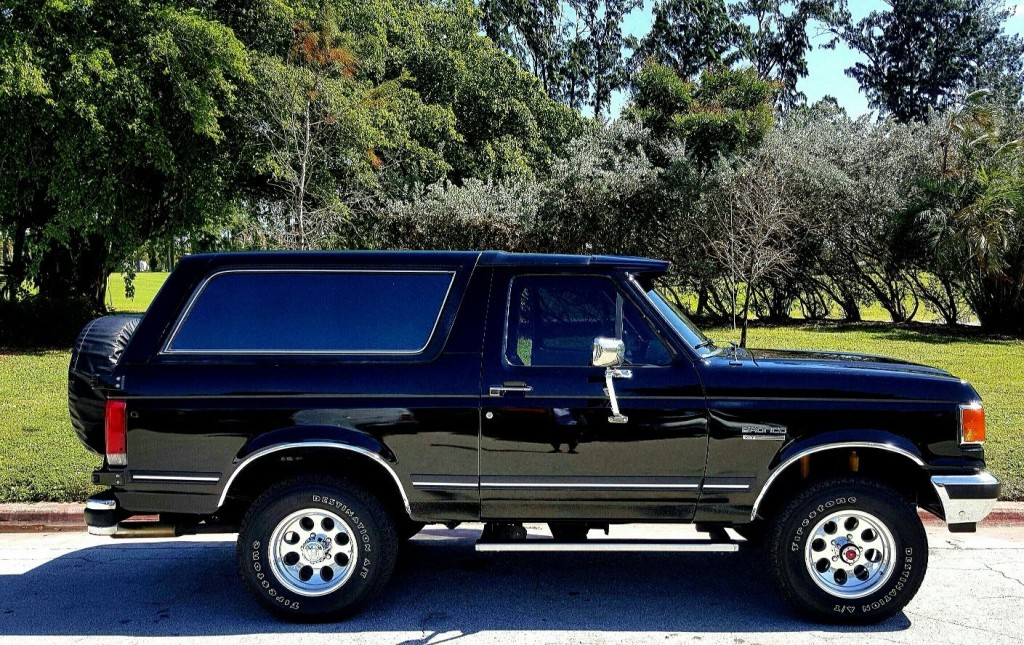 1990 Ford Bronco #18
