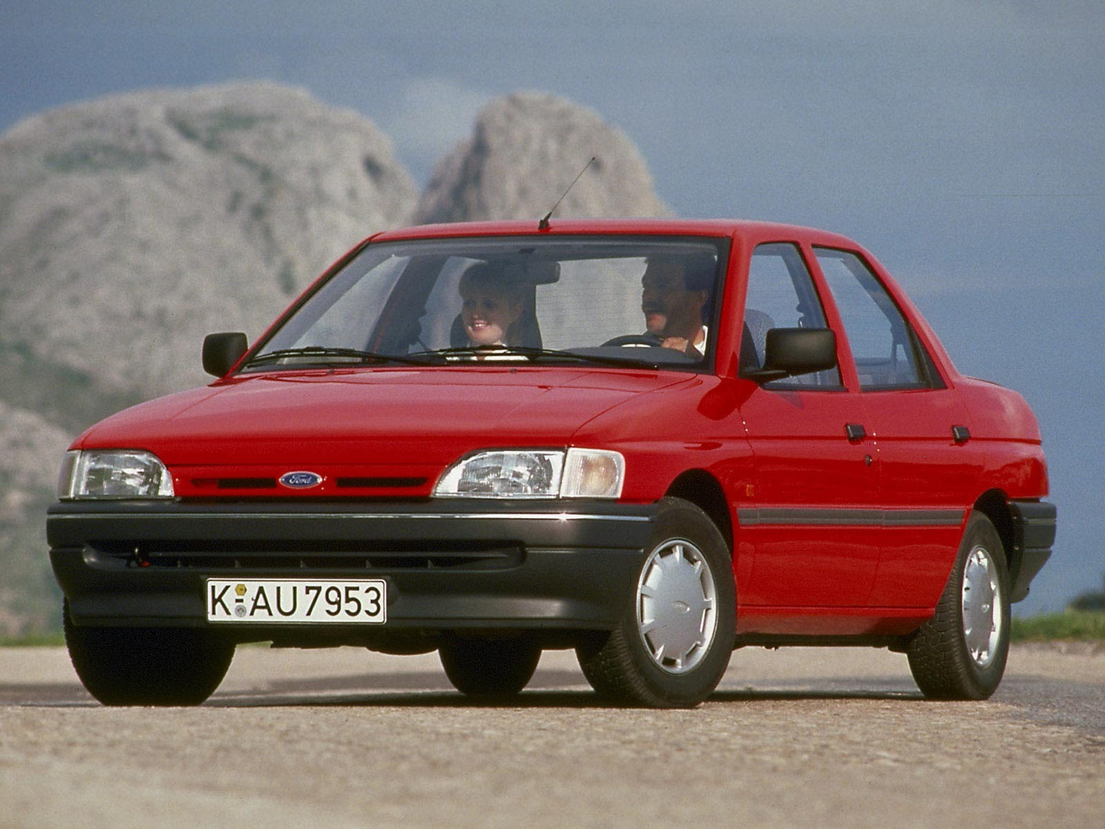 1990 Ford Orion #17