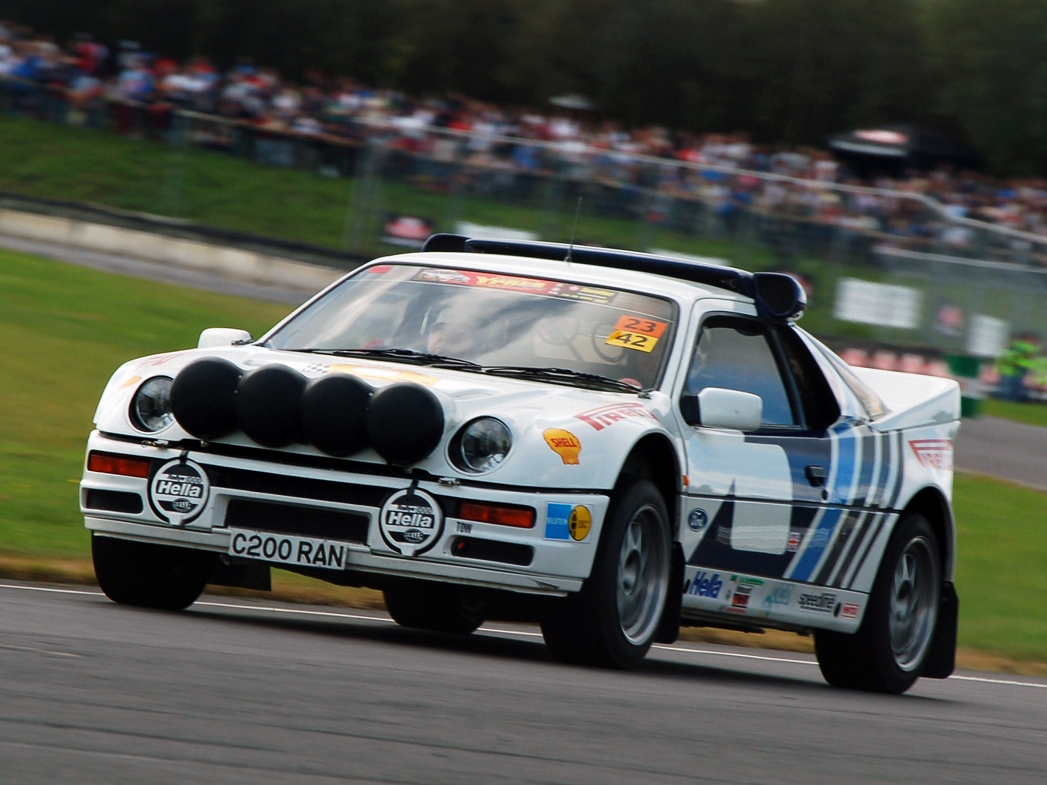 1990 Ford RS 200 #18