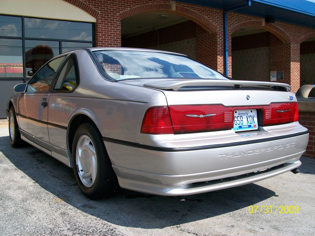 1990 Ford Thunderbird #20