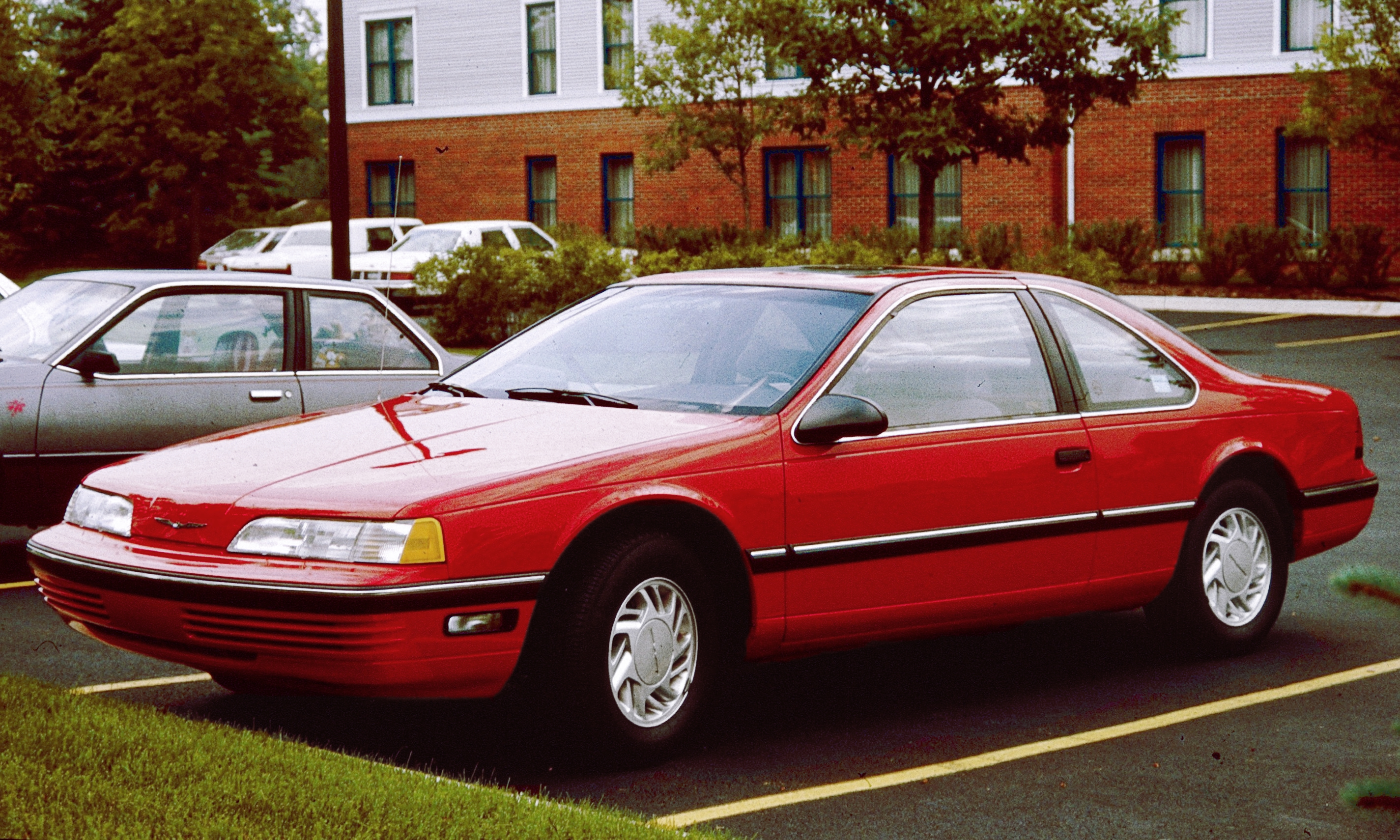1990 Ford Thunderbird #18