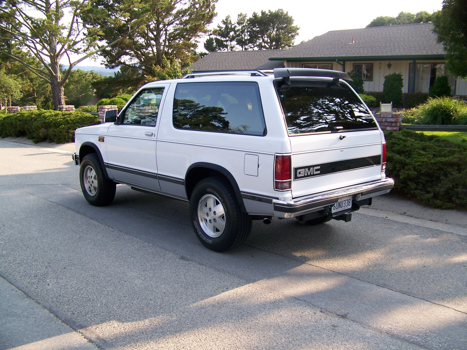 1990 GMC S-15 Jimmy #20