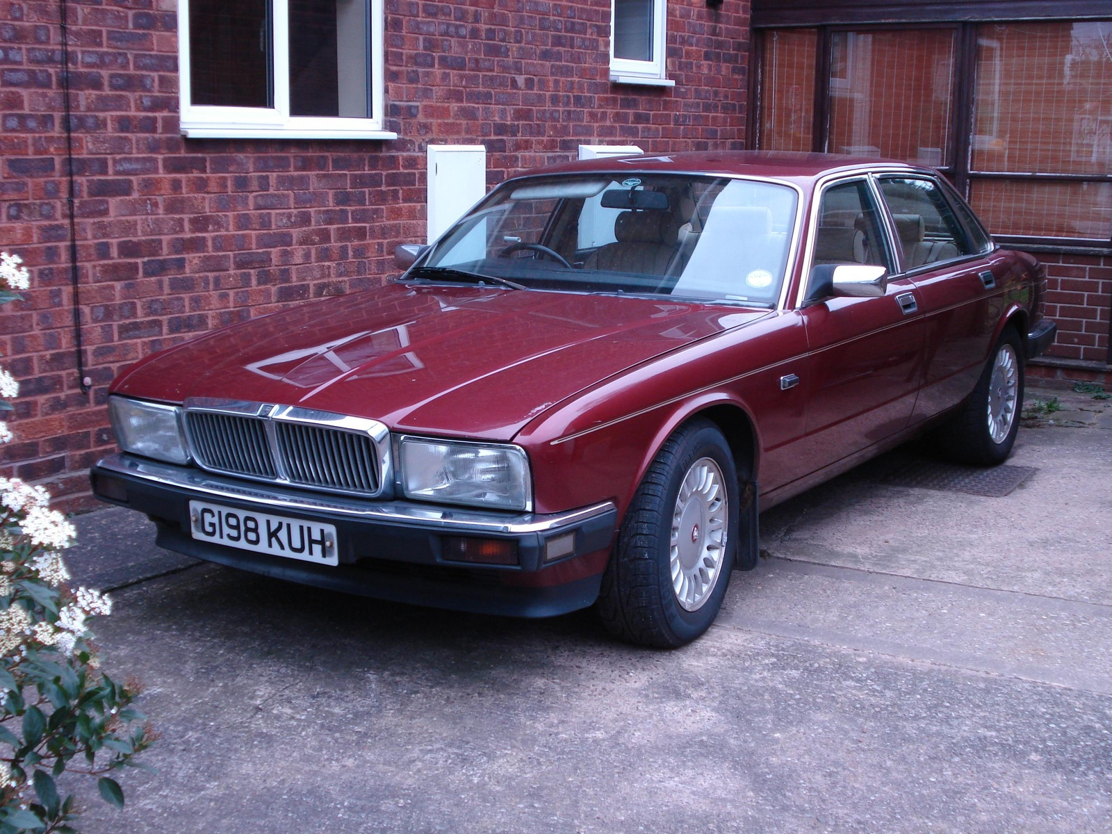 1990 Jaguar Xj-series #17