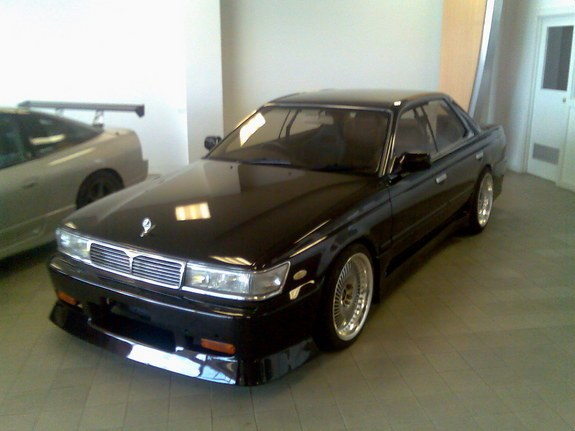 1990 Nissan Laurel #22