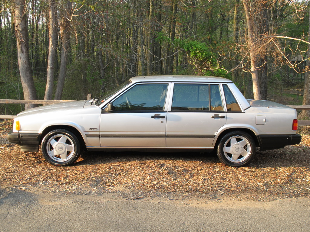 1990 Volvo 740 Photos  Informations  Articles