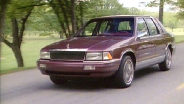 1991 Chrysler Le Baron #17