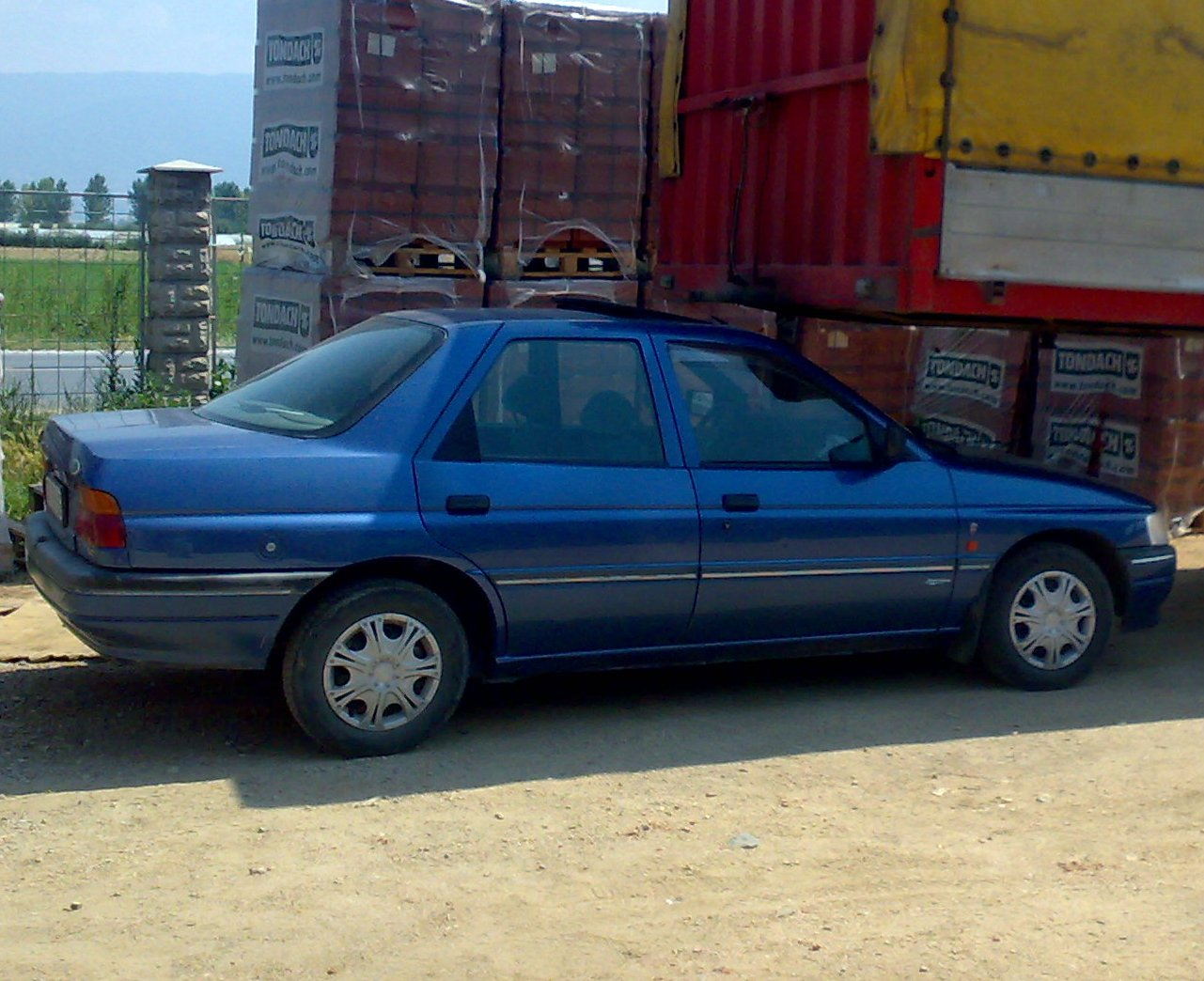 1991 Ford Orion #12