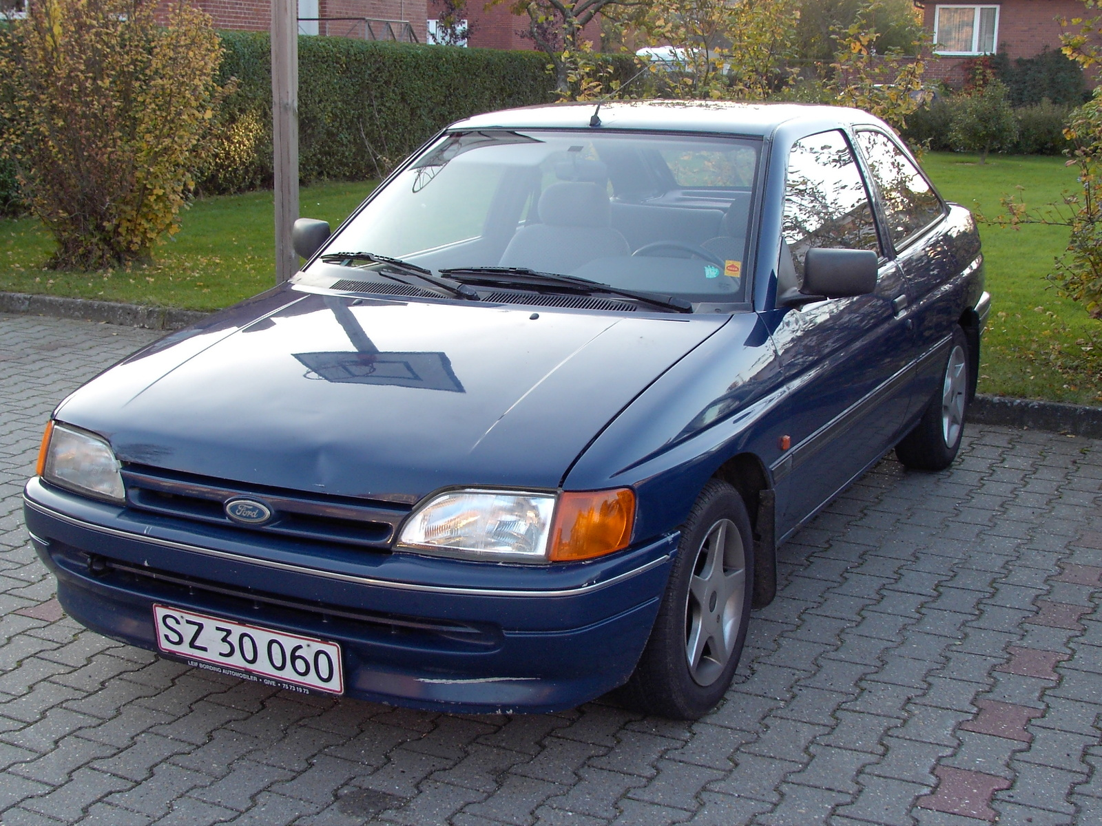 1991 Ford Orion #16
