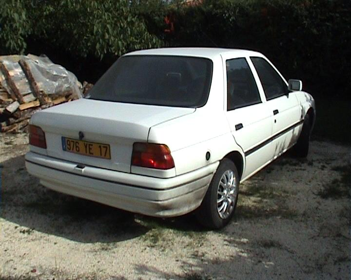 1991 Ford Orion #13