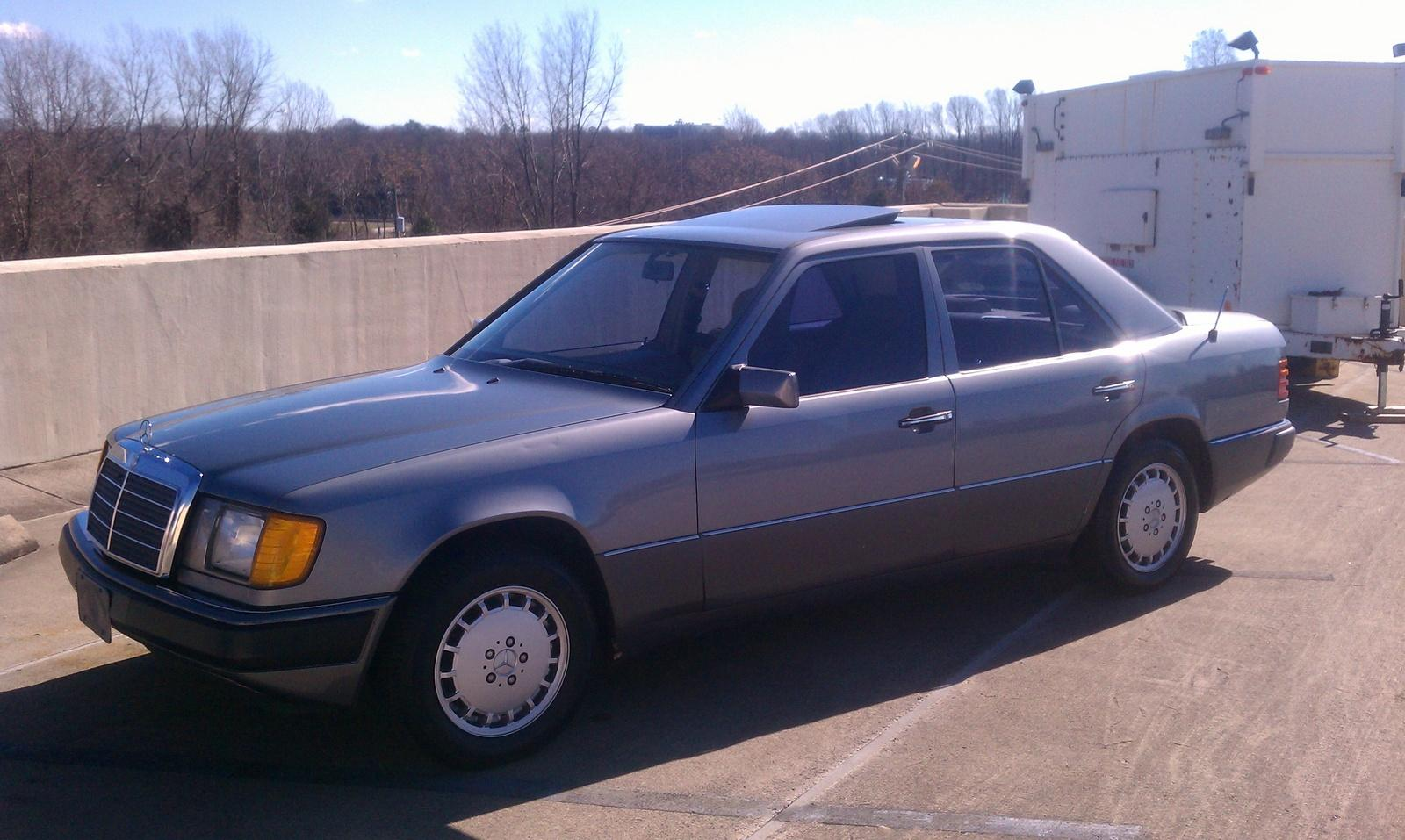 1991 mercedes benz 300 class photos informations