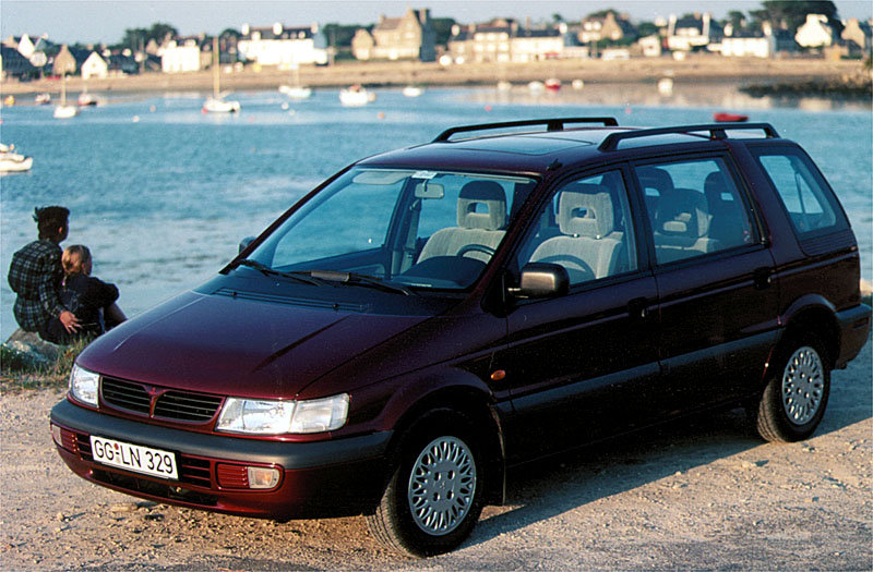 1991 Mitsubishi Space Wagon #16