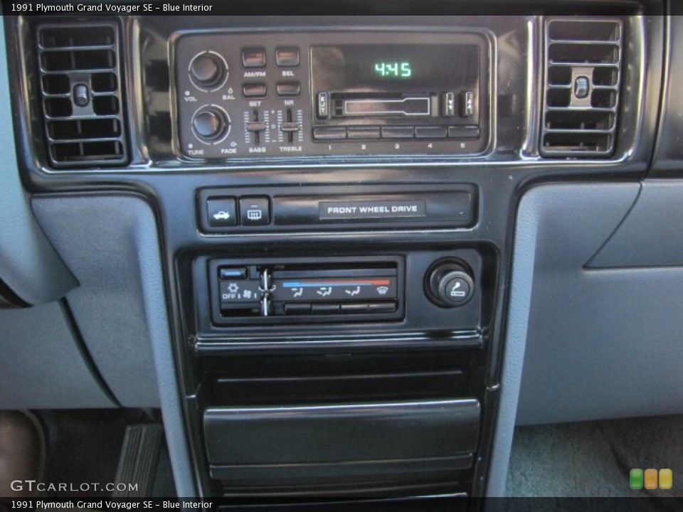 1991 Plymouth Grand Voyager #21