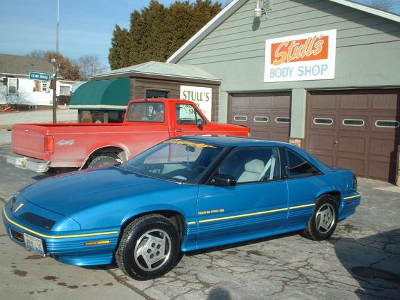 View 1991 Pontiac Grand Prix Se