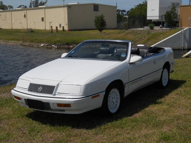 1992 Chrysler Le Baron #16