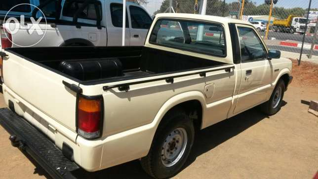 1992 Ford Courier #8