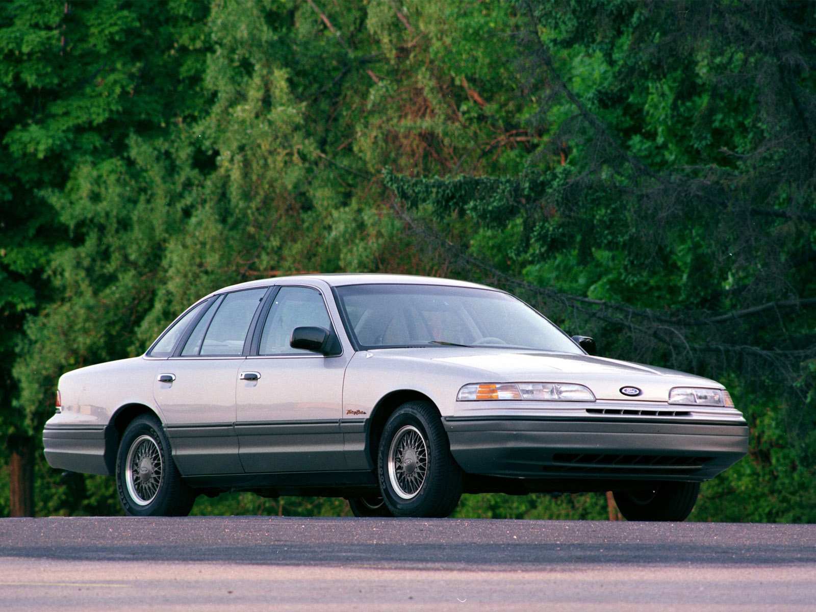 1992 Ford Crown Victoria #20