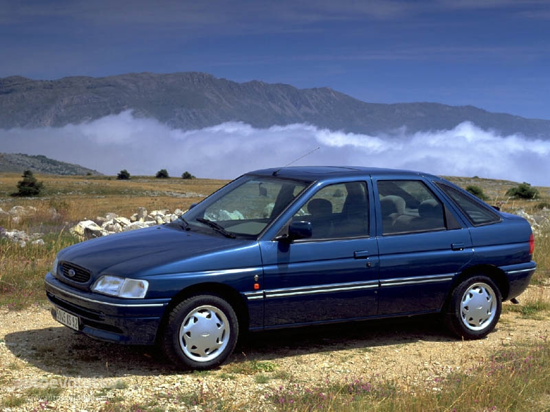 1992 Ford Orion #13
