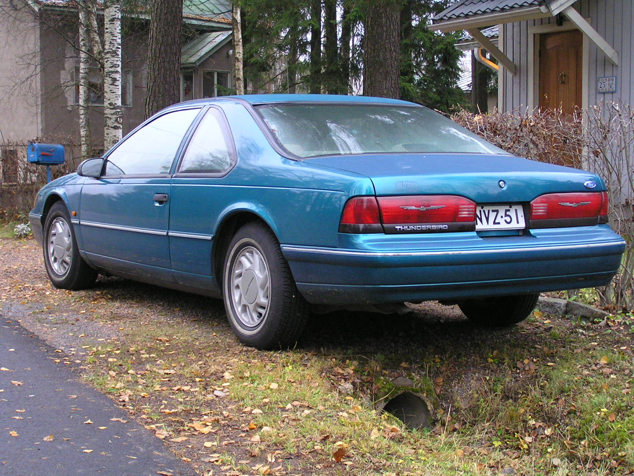 1992 Ford Thunderbird #21