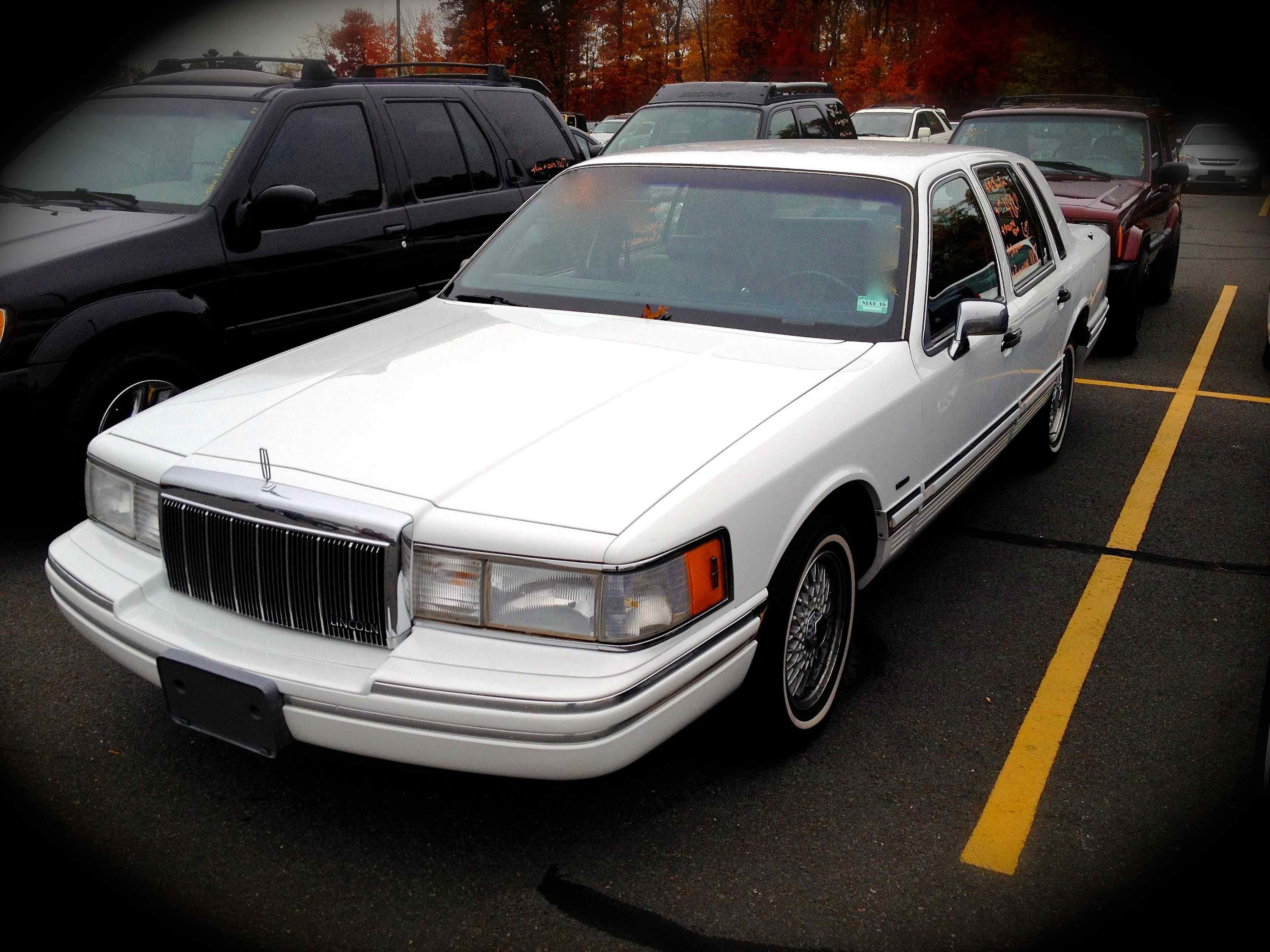 1992 Lincoln Town Car Photos Informations Articles Bestcarmag Com