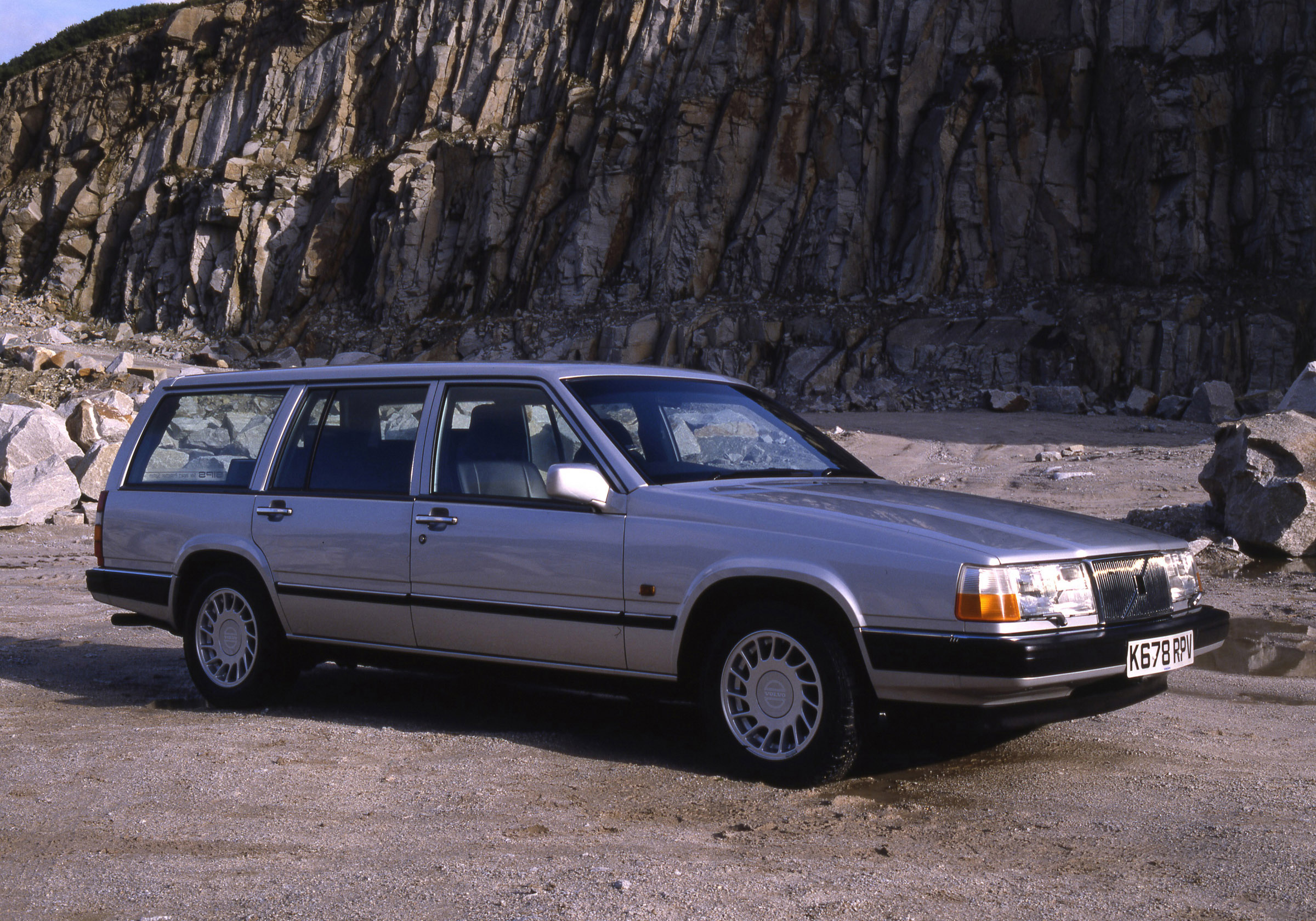 1992 Volvo 960 Photos, Informations, Articles - BestCarMag.com