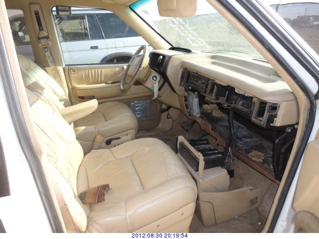 1993 Chrysler Town And Country #16