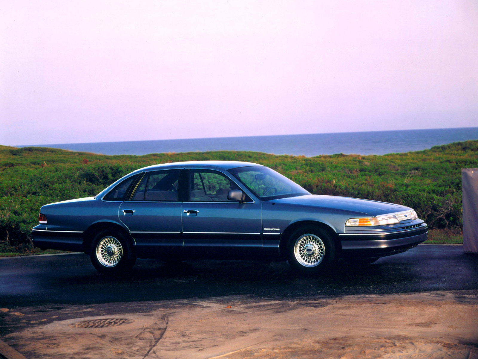 1993 Ford Crown Victoria #20