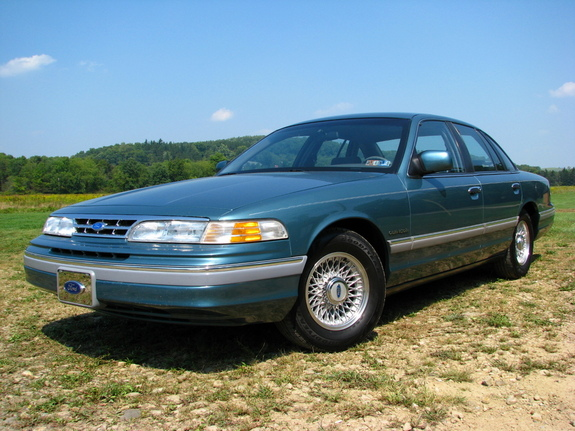 1993 Ford Crown Victoria #24